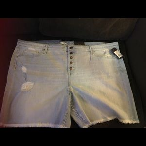 mossimo boyfriend distressed shorts 24w New